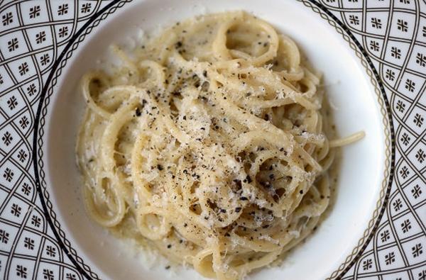 Đứng thứ 10 trong danh sách là món Cacio e pepe của Italy. Món ăn này sử dụng các nguyên liệu gồm mì ống, hạt tiêu, pho mát... đã tạo nên hương vị tuyệt vời.