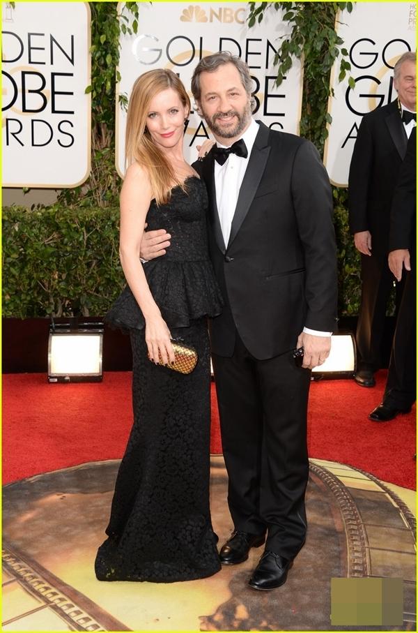 Nhà làm phim 46 tuổiJudd Apatow đã cùng vợ của mình làLeslie Mann có mặt trên thảm đỏ, Năm nay ông đã được đề cử cho giảiBest Series Musical or Comedy.