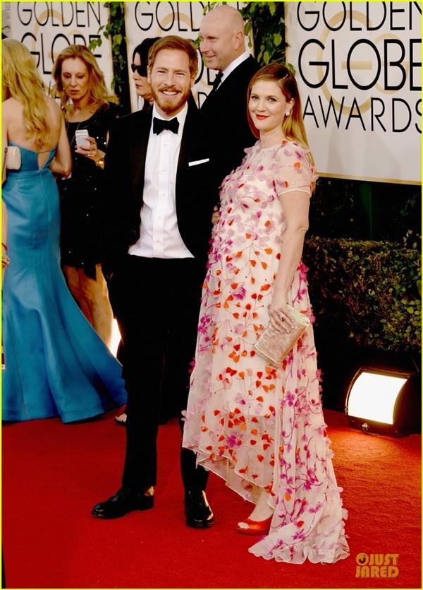 Drew Barrymore & Will Kopelman , Nữ diễn viên này đã khoe bụng bầu trên thảm đỏ.