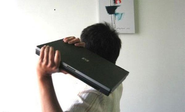 Buồn cười những cách tận dụng triệt để laptop bỏ đi