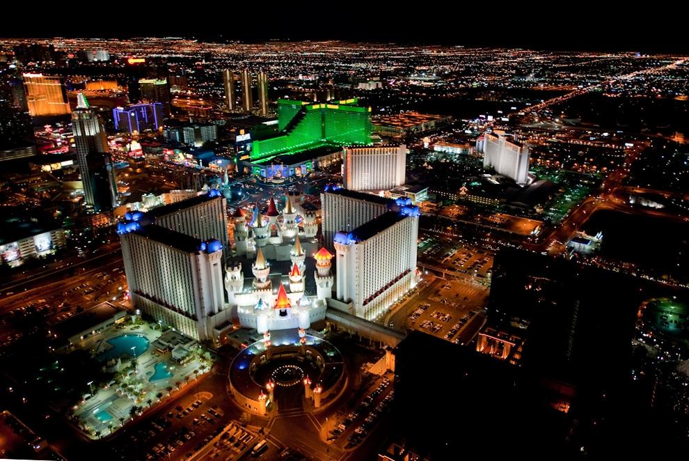 Ngắm nhìork và Las Vegas hoành tráng từ trên cao vào ban đêm