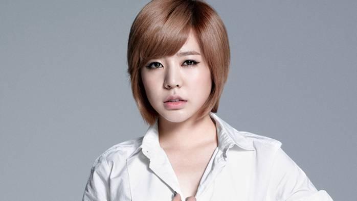 Sunny tức giận khi có fan cuồng theo dõi cô ấy