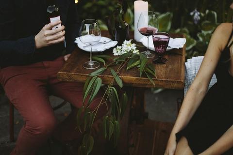 Sự khác nhau giữa người đàn ông bạn lấy làm chồng và gã trai bạn hẹn hò