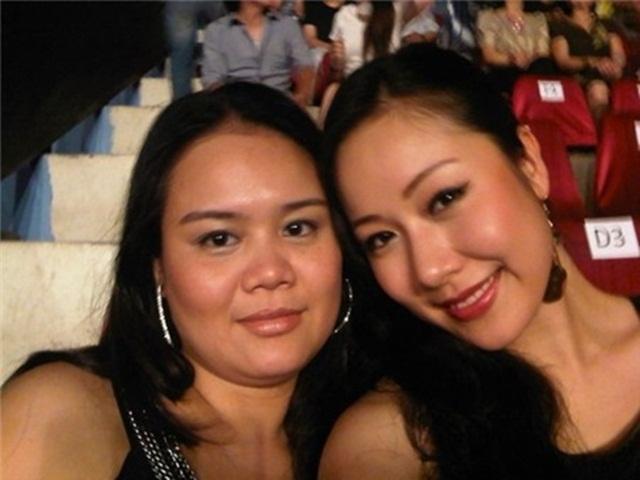 Hoa hậu Ngô Phương Lan cũng có chị gái tên là Ngô Thu Hương. Cô có khá nhiều nét đậm chất phụ nữ Bắc Bộ giống như em gái.