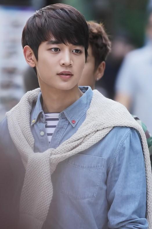 No.5 - MinHo (SHINee) với 8% phiếu bình chọn.