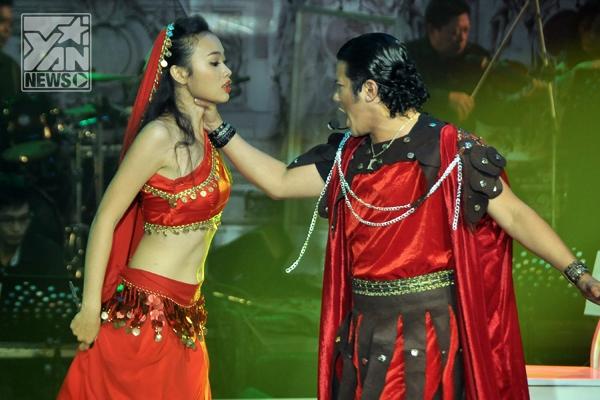 """Kasim Hoàng Vũ khá """"nhập tâm"""" với vai diễn của mình là một người đàn ông quyền lực, và bị chính người mình yêu phản bội."""