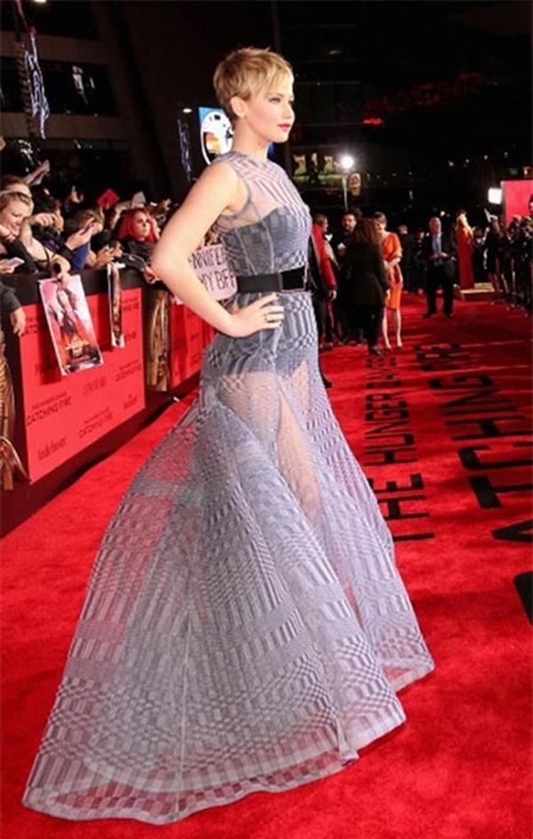 Đẳng cấp khoe nội y rất sexy mà vẫn khỏe khoắn, quyến rũ của Jennifer Lawrence