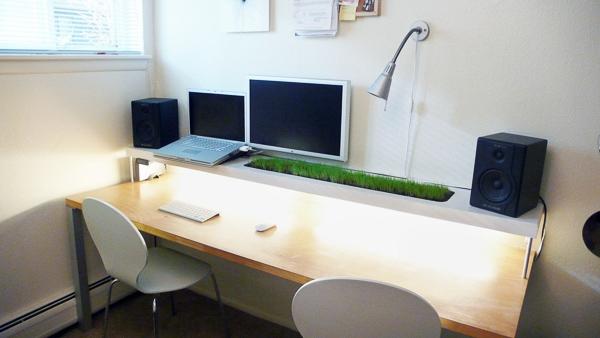 Một bàn làm việc gọn gàng sẽ giúp bạn có tổ chức hơn