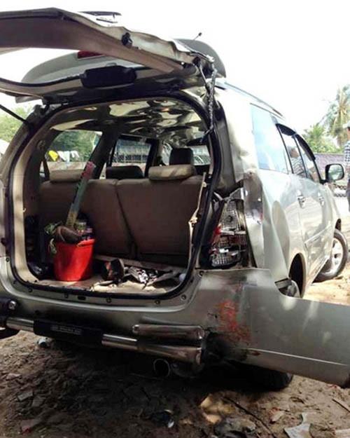 Nam diễn viên hài đã thoát chết trong gang tấc khi bị một chiếc xe khách tông mạnh từ phía sau. - Tin sao Viet - Tin tuc sao Viet - Scandal sao Viet - Tin tuc cua Sao - Tin cua Sao