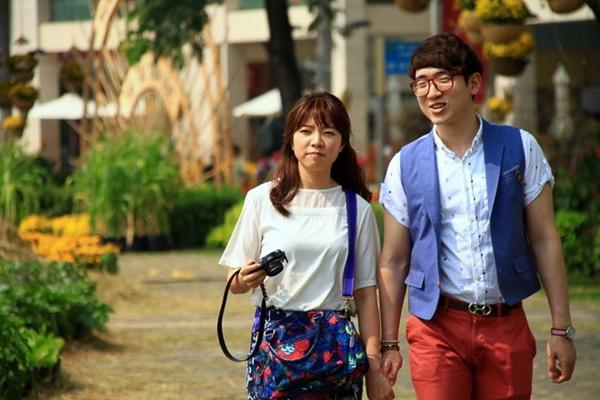 Giới trẻ Sài Thành thích thú với đường hoa phố nhà giàu