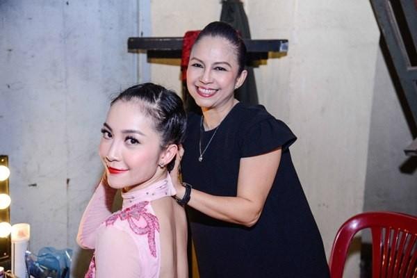 Diễn viên múa Linh Nga thừa hưởng trọn vẹn nét đẹp thanh tú, kiêu sa và đài các của mẹ.