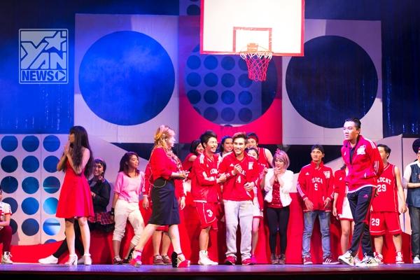 Trường học âm nhạc phiên bản Việt đã được mua bản quyền và bắt tay dàn dựng vào tháng 7/2013, vở nhạc kịch đã có buổi công chiếu đầu tiên ngày 22/1. Trong Tết Đoan Ngọ, vở diễn kéo dài từ mùng 4 đến 12 âm lịch.
