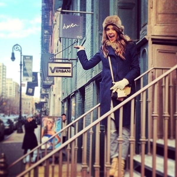 Jessica Alba thích thú với một cửa hàng được gọi là Haven