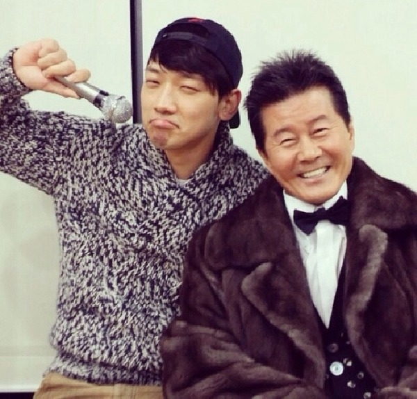 Sự thân thiết giữa Bi và tiền bối Tae JIn Ah là lời minh oan rõ ràng nhất cho La song