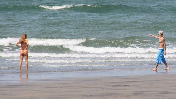 Trốn nước Mỹ ồn ào,Justin Bieberđưa cô bạn mới đi nghỉ ở phương xa để tận hưởng giây phút bình yên sau những ngày sóng gió.