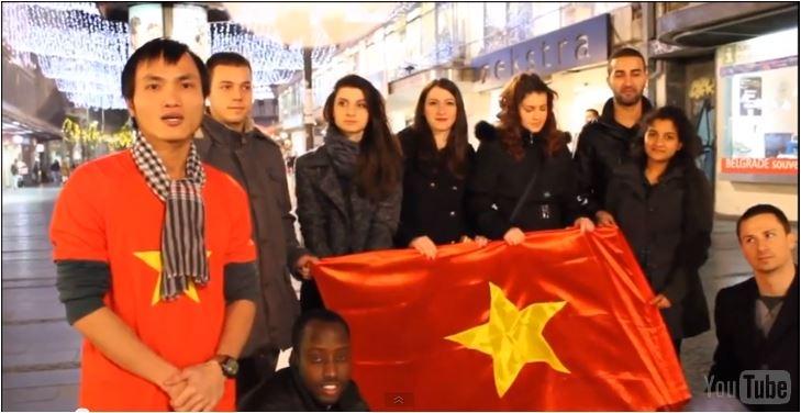 Cảm động clip các du học sinh từ mọi nơi trên thế giới chúc Tết 2014