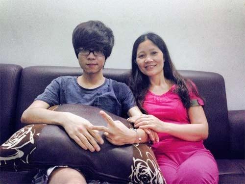 Tết năm nay, Bùi Anh Tuấn cũng dành toàn bộ thời gian để về Hà Nội và ở cạnh gia đình vào thời khắc giao thừa.