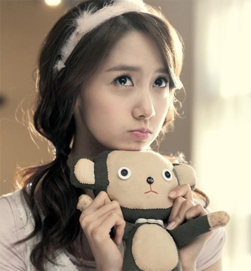 Không chỉ có tài năng được ghi nhận, ca sĩ, diễn viên Yoona còn là gương mặt xinh xắn, đáng yêu nổi bật trong lớp diễn viên 9X xứ Hàn.
