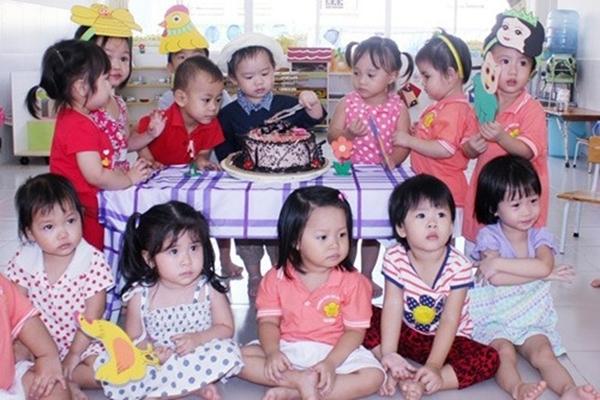 """Tiệc sinh nhật hai tuổi """"bá đạo"""" của bé Rio."""