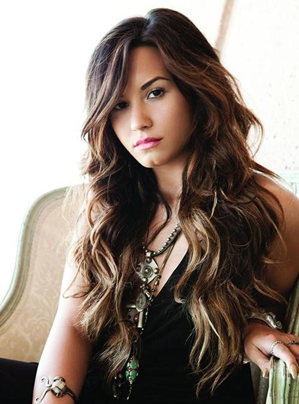 Bạn thân của Selena, cô nàng Demi Lovato cũng từng phải vào trại cai nghiện hết 3 tháng.