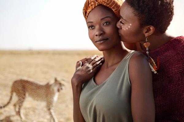Ngay cả đất nước xa xôi nhưNam Phi, tình yêu đồng giới vẫn được thể hiện một cách ngọt ngào nhất.