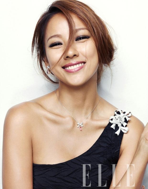 """""""Cô tiên quốc dân"""" Lee Hyori khiến các cô gái phải ghen tỵ vì sở hữu một tính cách và một nét đẹp vô cùng tuyệt vời"""
