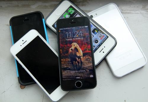iPhone 5đã được Apple dừng sản xuất từ tháng 9/2013, nhưng vẫn còn nhiều nơi rao bán hàng mới 100%.