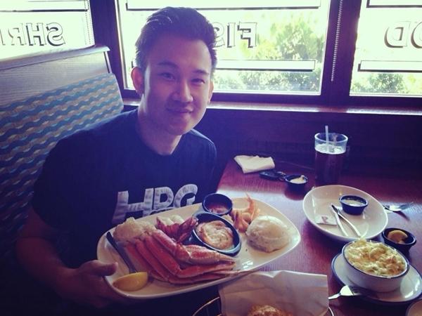 """Dương Triệu Vũ khoe bữa ăn trưa của mình: """"Bữa trưa đạm bạc của mình.... Kakkaa""""."""