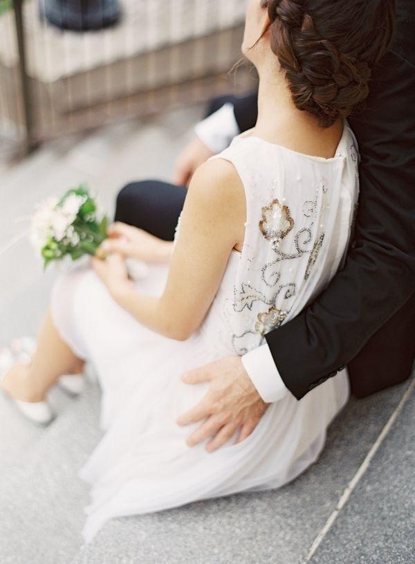 Vì sao phụ nữ lấy chồng?