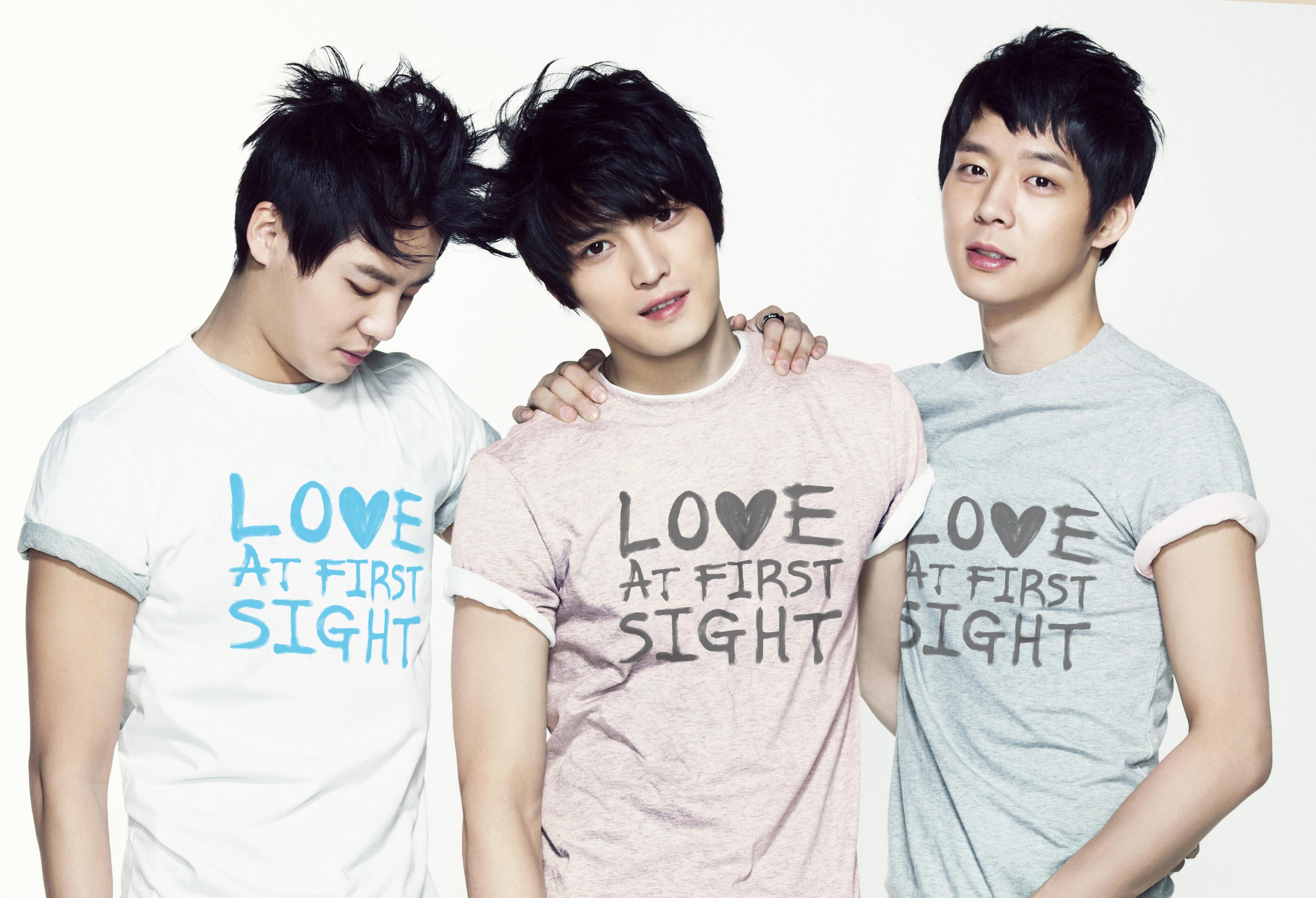 Park Yoochun (4/6/1986, 28 tuổi), Kim Jaejoong (26/1/1986, 28 tuổi), Kim Junsu (15/12/1986, 28 tuổi)