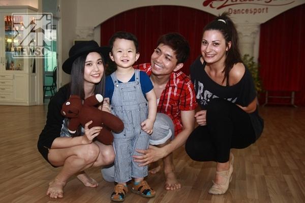 Gia đình của Tim cùng bạn nhảy - Tin sao Viet - Tin tuc sao Viet - Scandal sao Viet - Tin tuc cua Sao - Tin cua Sao