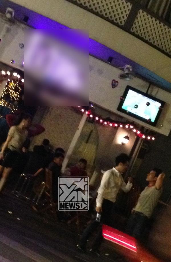 Sau khi chia tay Văn Mai Hương, rất nhiều khán giả cảm thấy lo lắng khi Lê Hiếu thường xuyên tìm đến rượu để quên chuyện buồn.