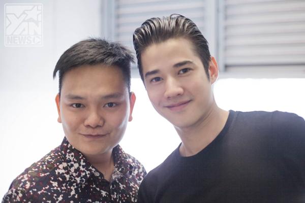 Là một người bạn, stylist Trịnh Tú Trungluôn song hành cùng Mario tại các sự kiện khi anh có mặt tại Bangkok.