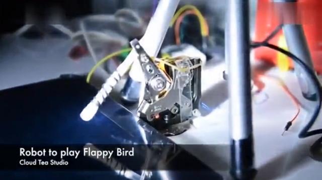 """Đã chế tạo thành công """"ngón tay robot"""" chơi Flappy Bird hay hơn người"""