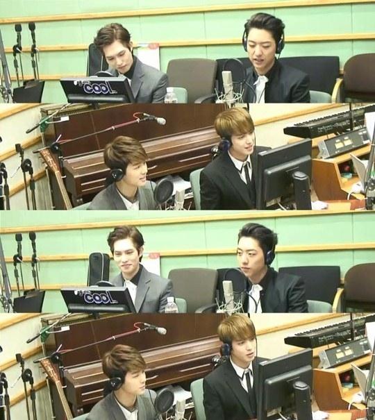 Hình ảnh các chàng trai CN Blue trong chương trình radio