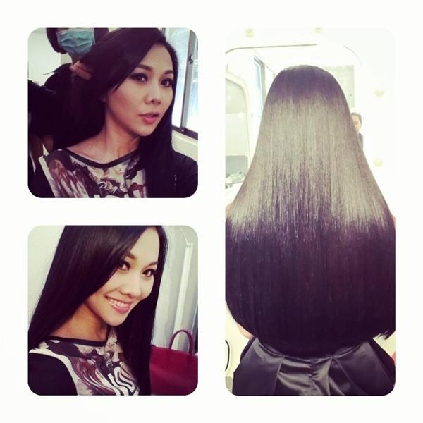 Thanh Hằng với mái tóc khiến ai cũng ghen tị. Cô còn bày tỏ tình yêu của mình với mái tóc mà cô chăm sóc , nuôi dưỡng cẩn thận.