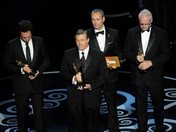 Sau khi giành giải thưởng hiệu ứng hình ảnh vào năm 2013, Bill Westenhofer và the Life of Pi đã có ý định để vinh danh các kỹ thuật hiệu ứng 400-lẻ và phản đối lương thấp . Thật không may là bài phát biểu đã cố tình cắt đứt với âm nhạc từ Jaws.