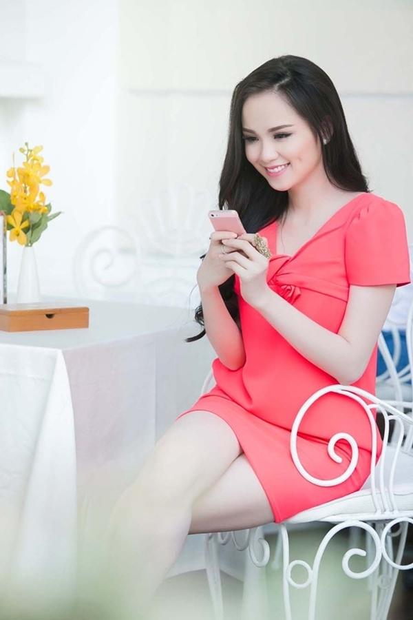 Thời điểm này, Diễm Hương cho biết cô sẵn sàng đối diện với tin đồn và sẽ nhờ pháp luật can thiệp.