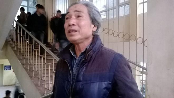 Ông Đỗ Văn Giáp, bố tài xế Đỗ Tú Anh, tỏ ra rất đau lòng trước hậu quả do con trai gây ra.