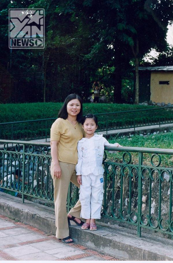 Hình ảnh của Hương Tràm bên mẹ thuở bé - Tin sao Viet - Tin tuc sao Viet - Scandal sao Viet - Tin tuc cua Sao - Tin cua Sao