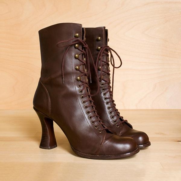"""""""Từ điển"""" giày dép cho những tín đồ shopping"""