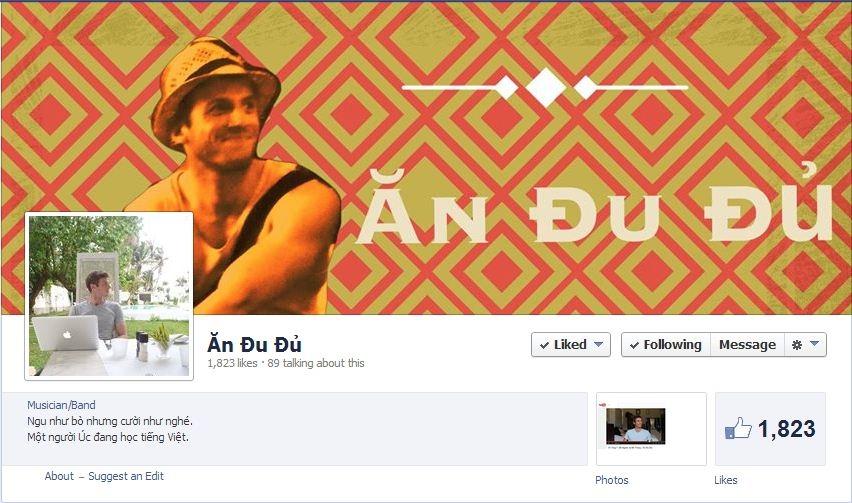 """Trang cá nhân của Andrew, cũng có dòng giới thiệu: """"Ngu như bò nhưng cười như nghé. Một người Úc đang học tiếng Việt"""""""