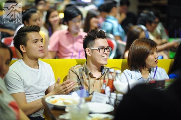 Nhà văn trẻ Anh Khang cùng với ca sĩ Quốc Thiên
