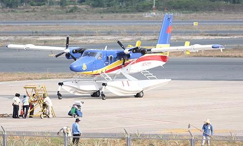 Thủy phi cơ DHC6 VNT 777 chuẩn bị cất cánh. Ảnh: Đức Đồng