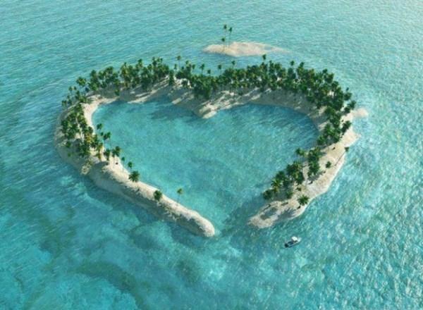 Hòn đảo trái tim ngay giữa đại dương