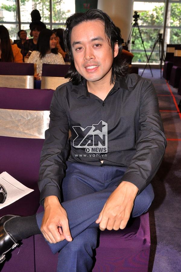 Nhạc sĩ Dương Khắc Linh khá lo lắng khi vốn tiếng Việt của anh không phải là một lợi thế. - Tin sao Viet - Tin tuc sao Viet - Scandal sao Viet - Tin tuc cua Sao - Tin cua Sao