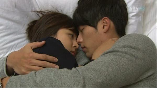 Với cảnh lãng mạn này, khán giả còn ngất ngây huống chi là nhân vật Ra Im (Ha Ji Won) trong Secret Garden