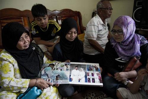 Những yêu thương, lo lắng trước giờ MH370 cất cánh