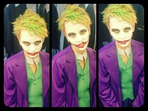 Key (SHINee) hóa thành Joker.