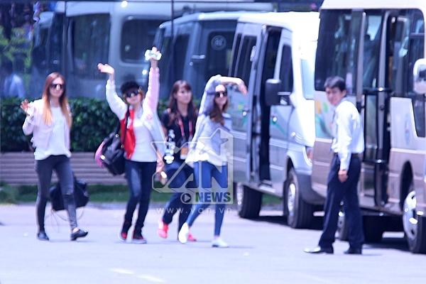 Sunny, Jessica và Yuri vẫy chào fan - Tin sao Viet - Tin tuc sao Viet - Scandal sao Viet - Tin tuc cua Sao - Tin cua Sao